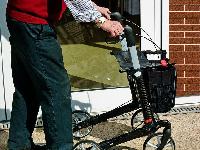 How To Use A Walker: Safe & Easy Steps